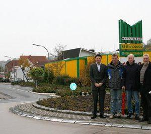 Martin Henke (Autohaus Henke), Reinhard Glahe (Tischlerei), Klaus Peter Voss (Grundstückseigentümer), Heinz-Josef Becker (Heizung/Sanitär, Ingenieurbüro; v.l.) sind sich mit zahlreichen weiteren Anliegern der Fürstenberger Straße einig.